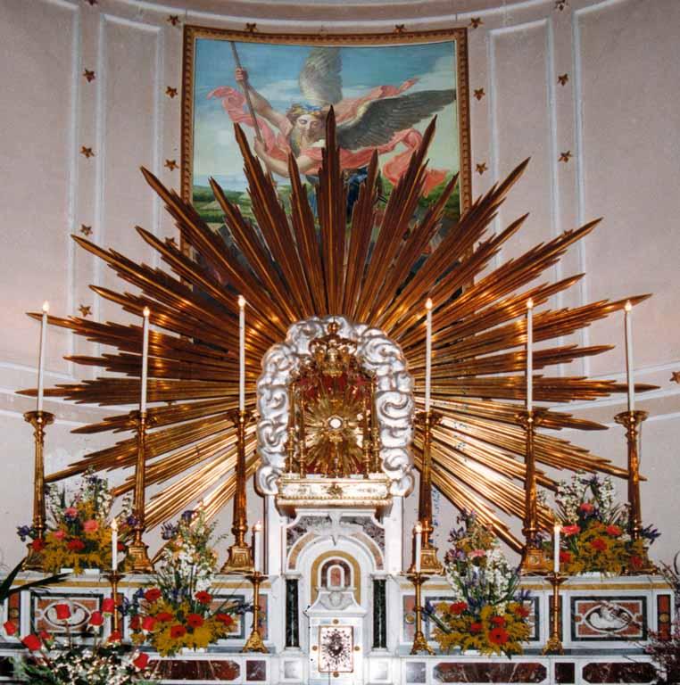 Andria chiesa s michele arc e s giuseppe for Arredo sacro a raggiera