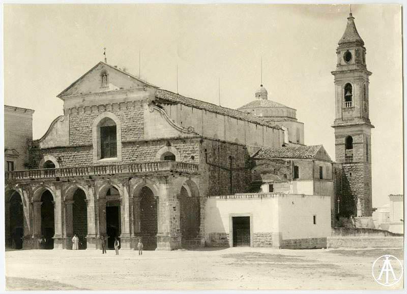 facciata della basilica ai primi del Novecento